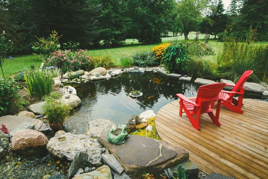 Pond and Stone Landscaping